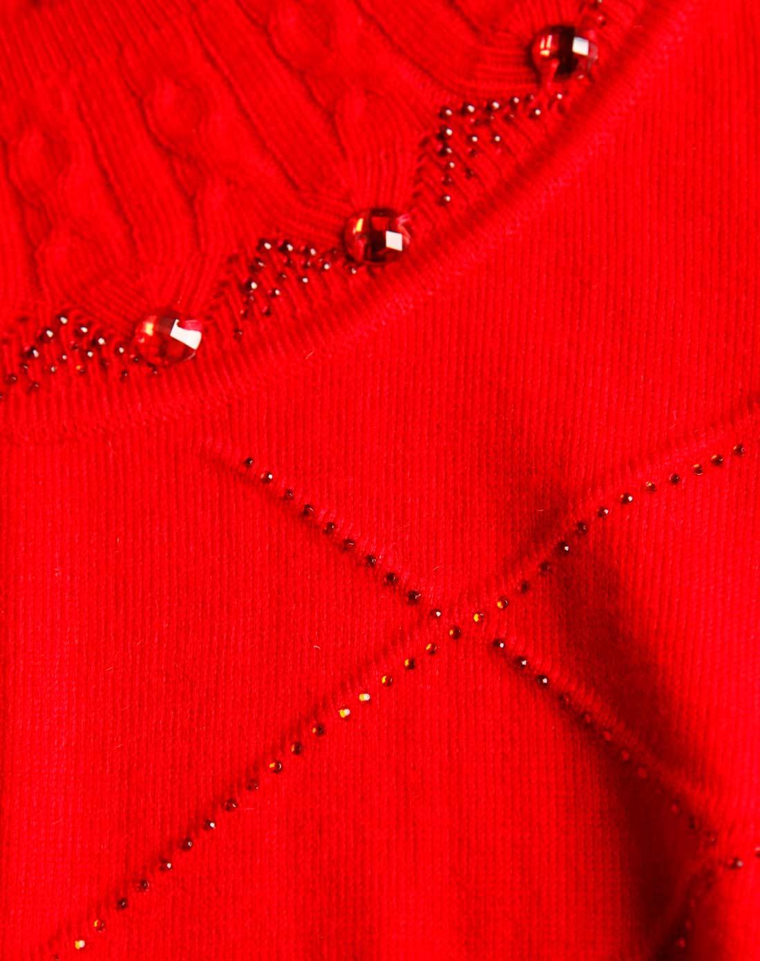大红色菱形花纹串珠圆领针织衫