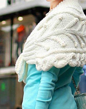 白色手工编织斗篷型小披肩