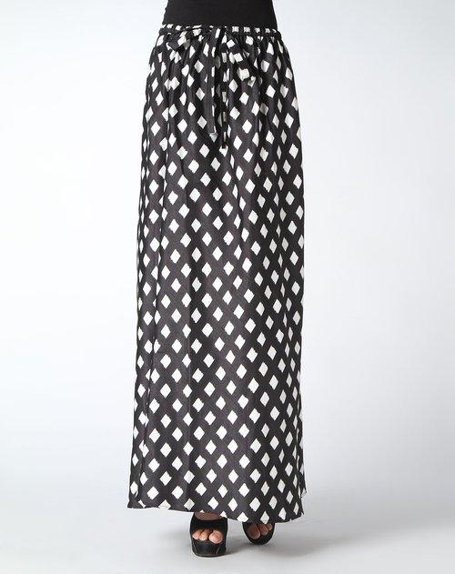黑白色印花长裙
