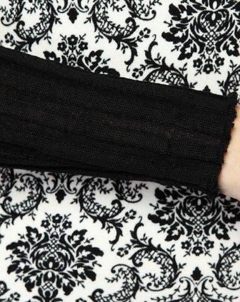 黑白色欧式花纹针织衫