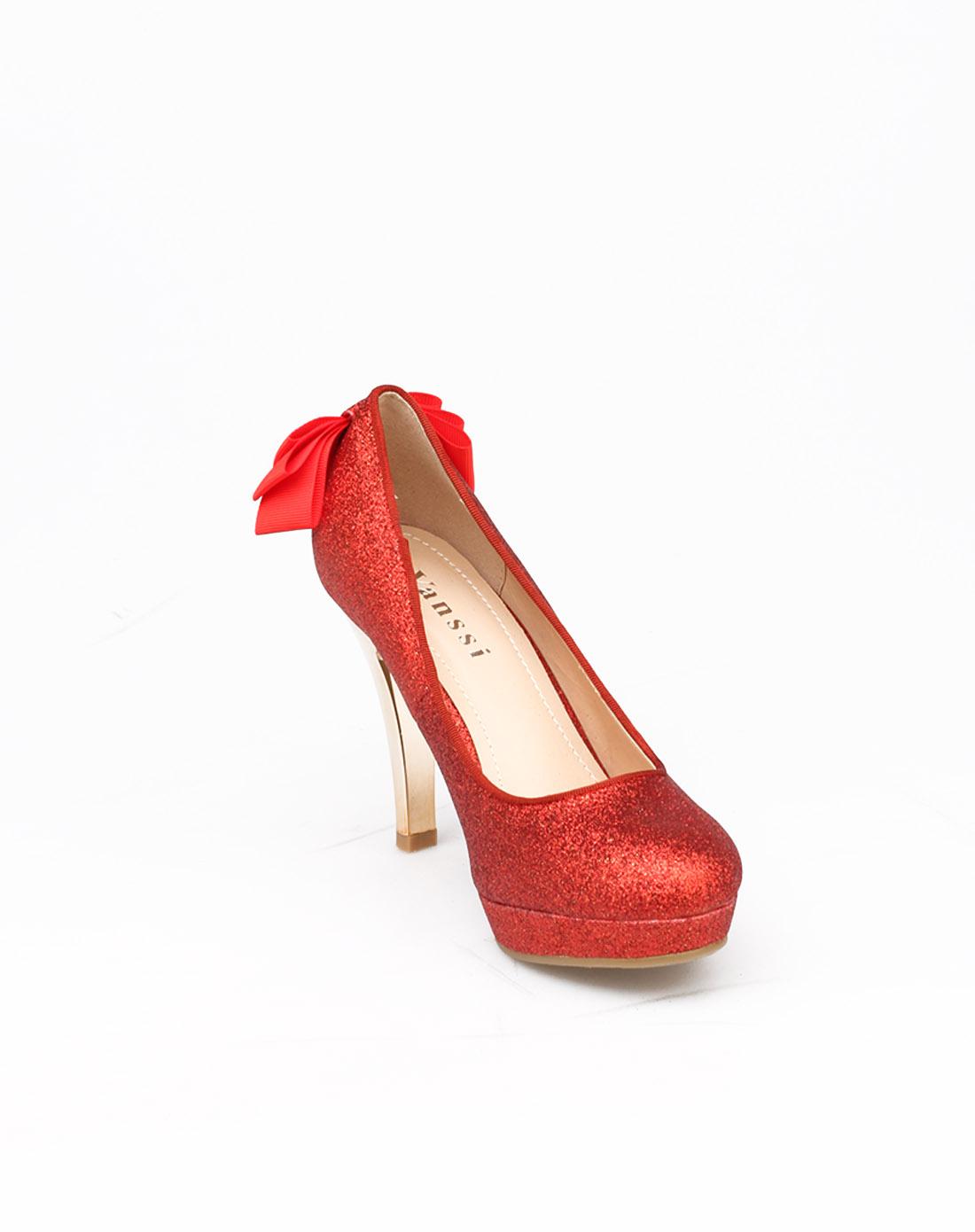 红色婚宴高跟鞋