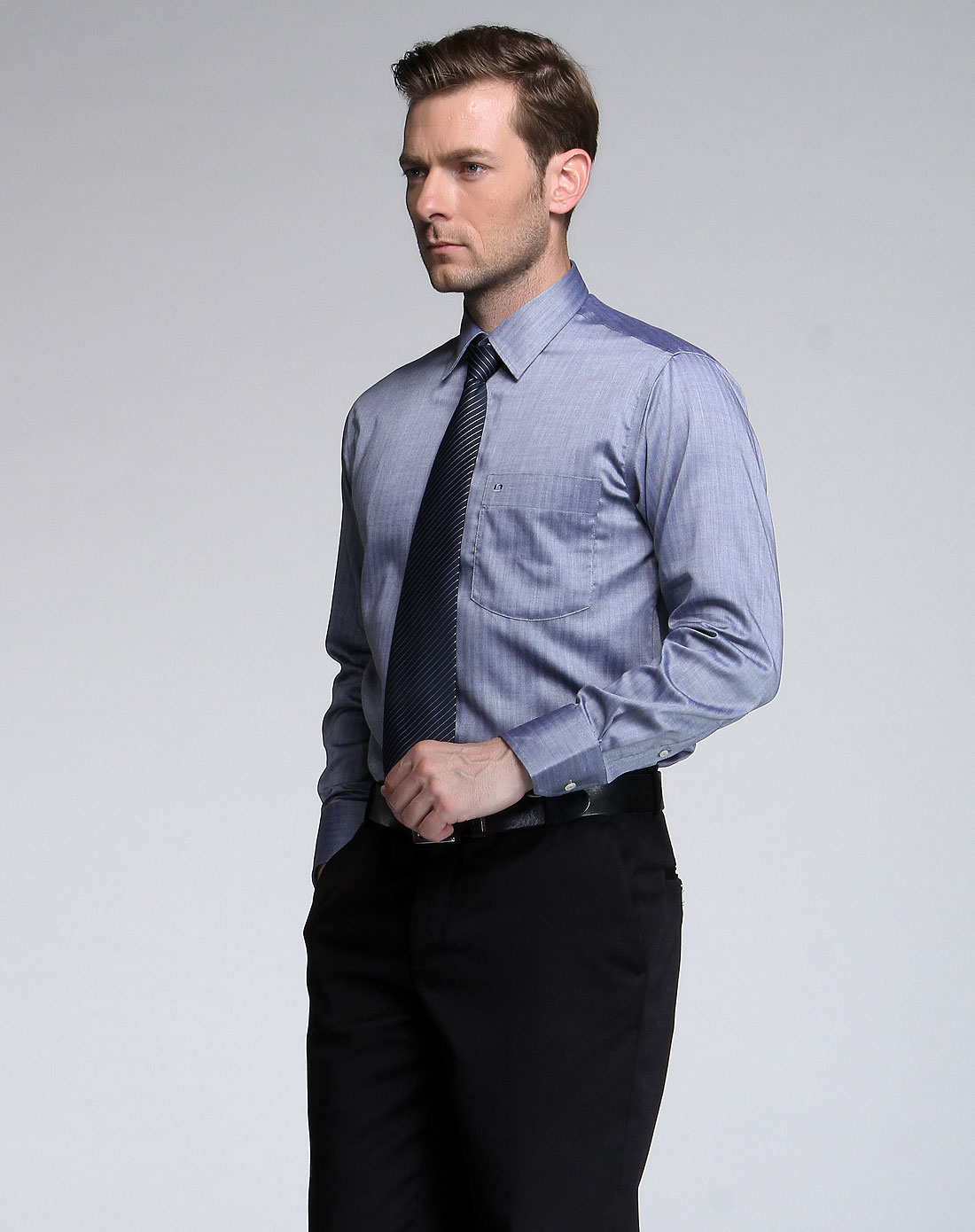 灰色高端商务长袖衬衫