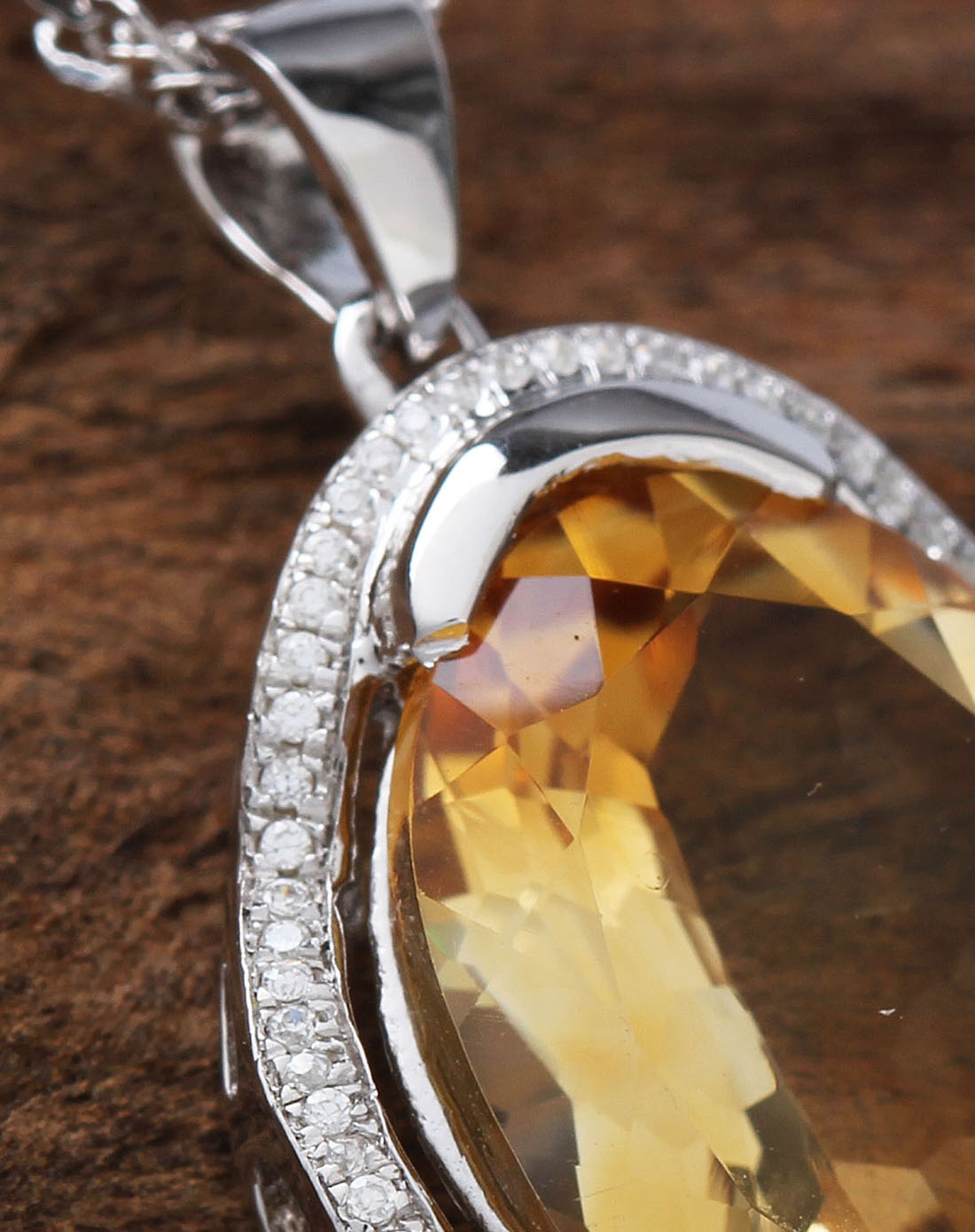 女性黄色天然黄水晶切面时尚吊坠 附证书