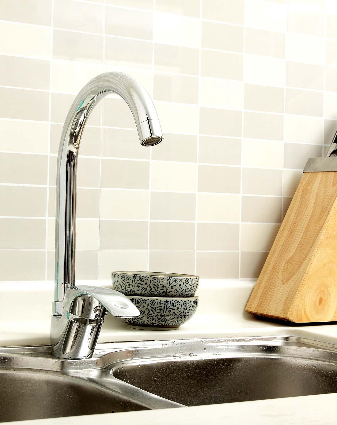 304不锈钢厨房水龙头和全铜厨房水龙头哪种好
