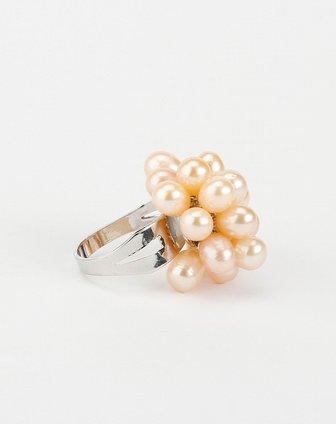 粉色珍珠戒指