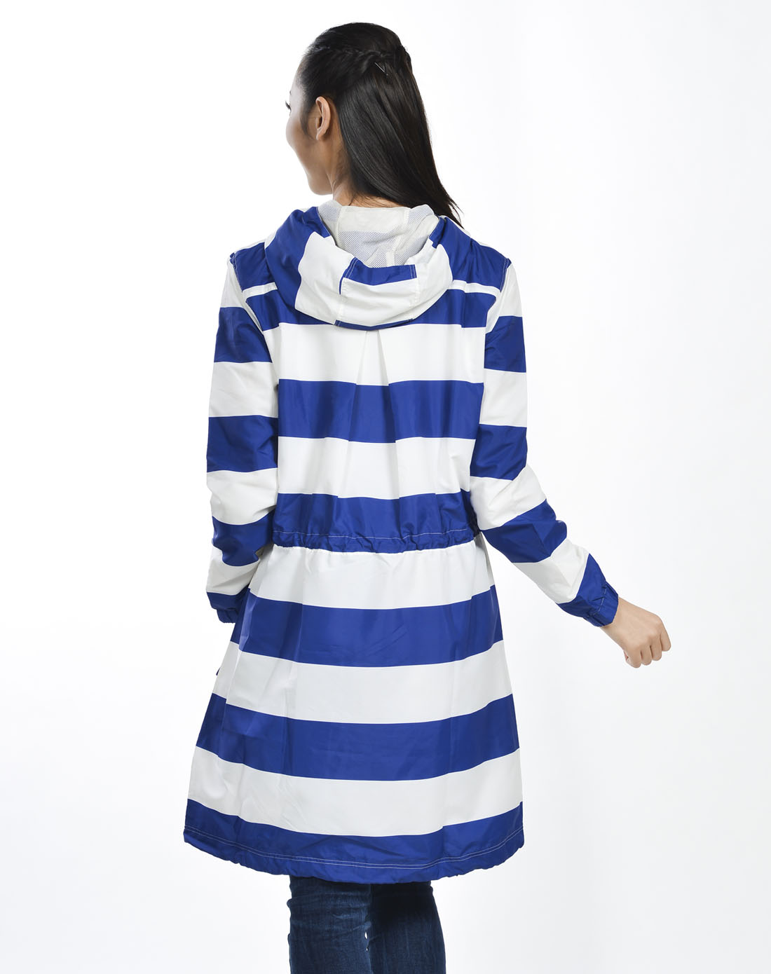 女子蓝白条纹茄克