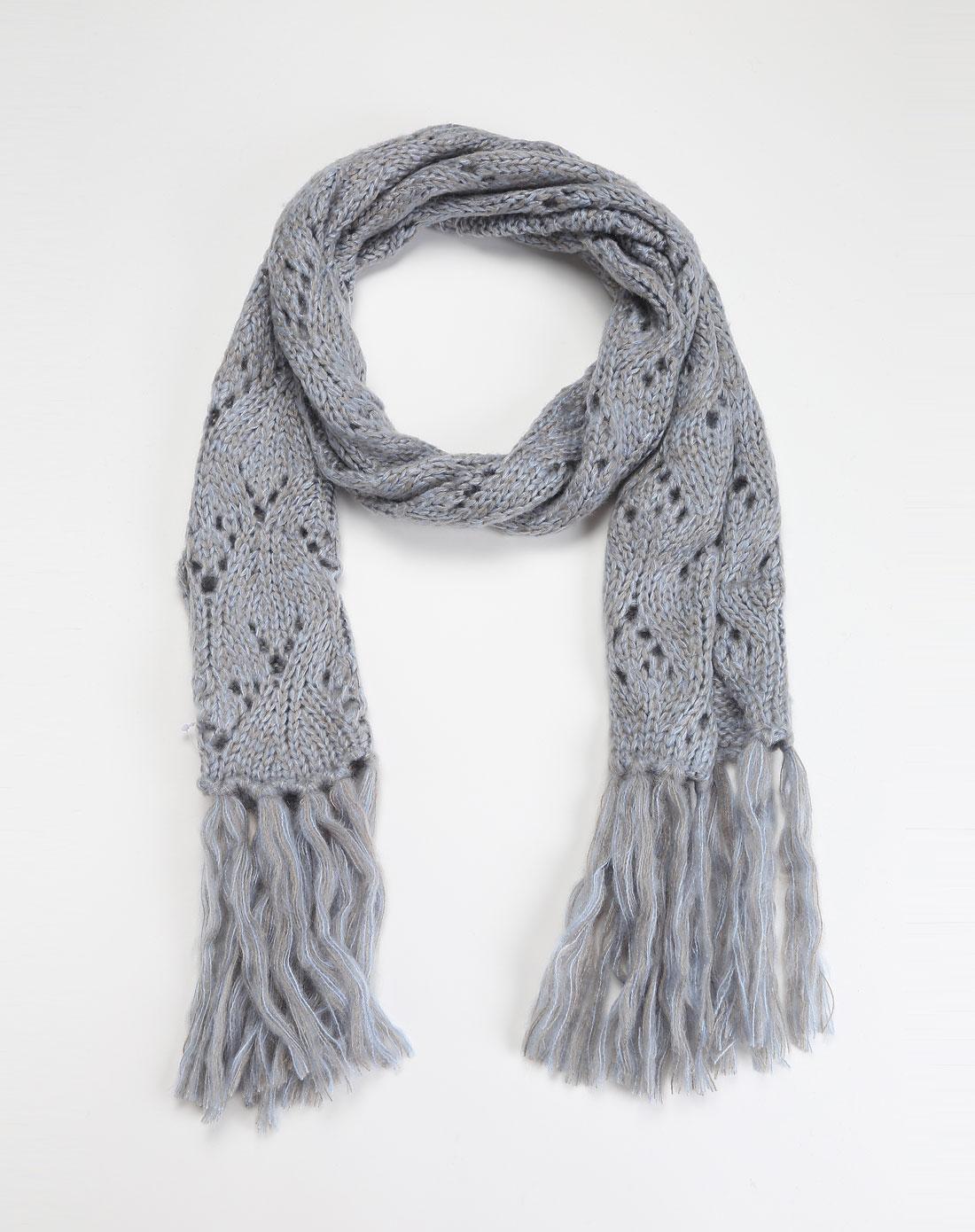 蓝灰色镂空针织围巾
