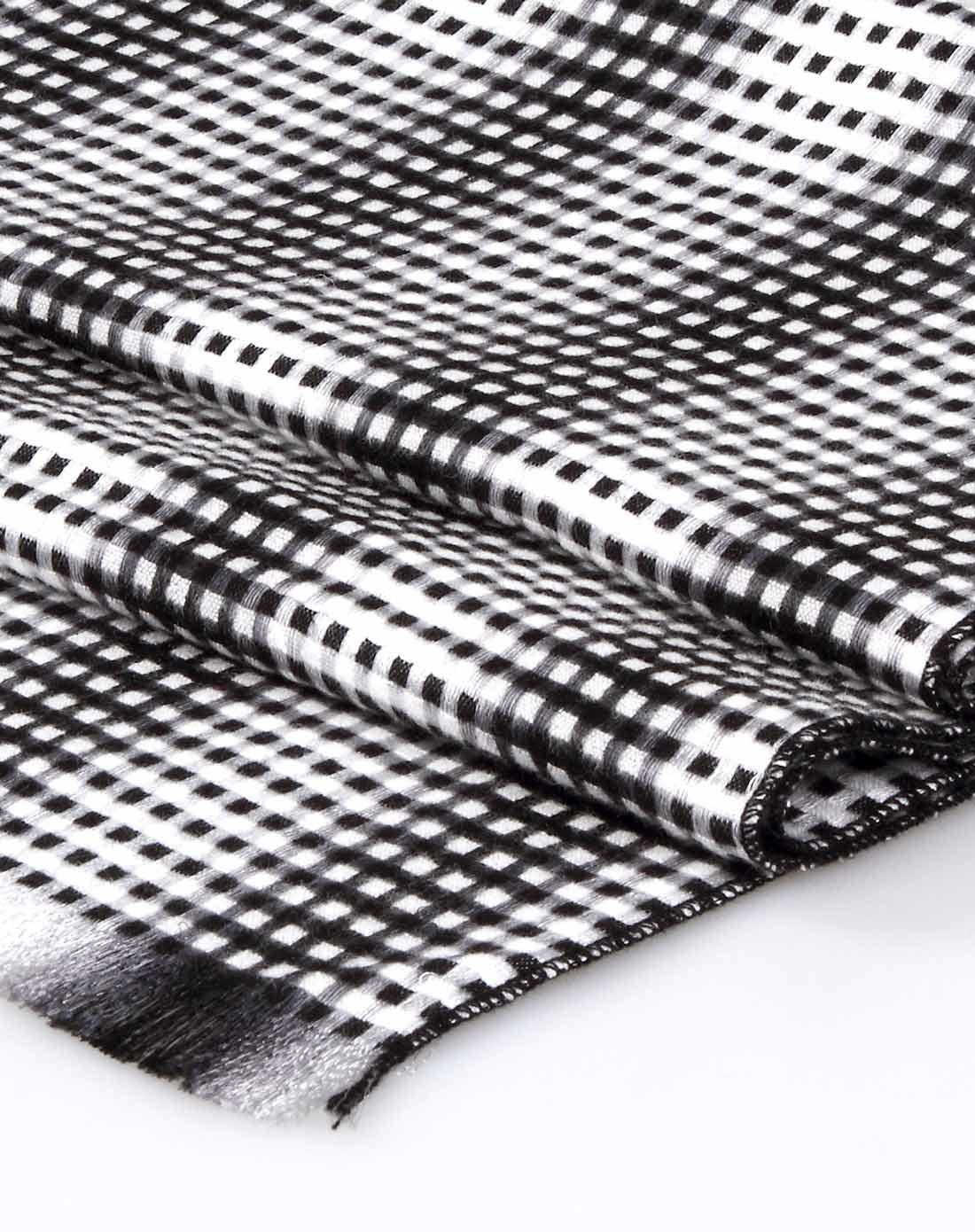 优雅细格子黑白色围巾