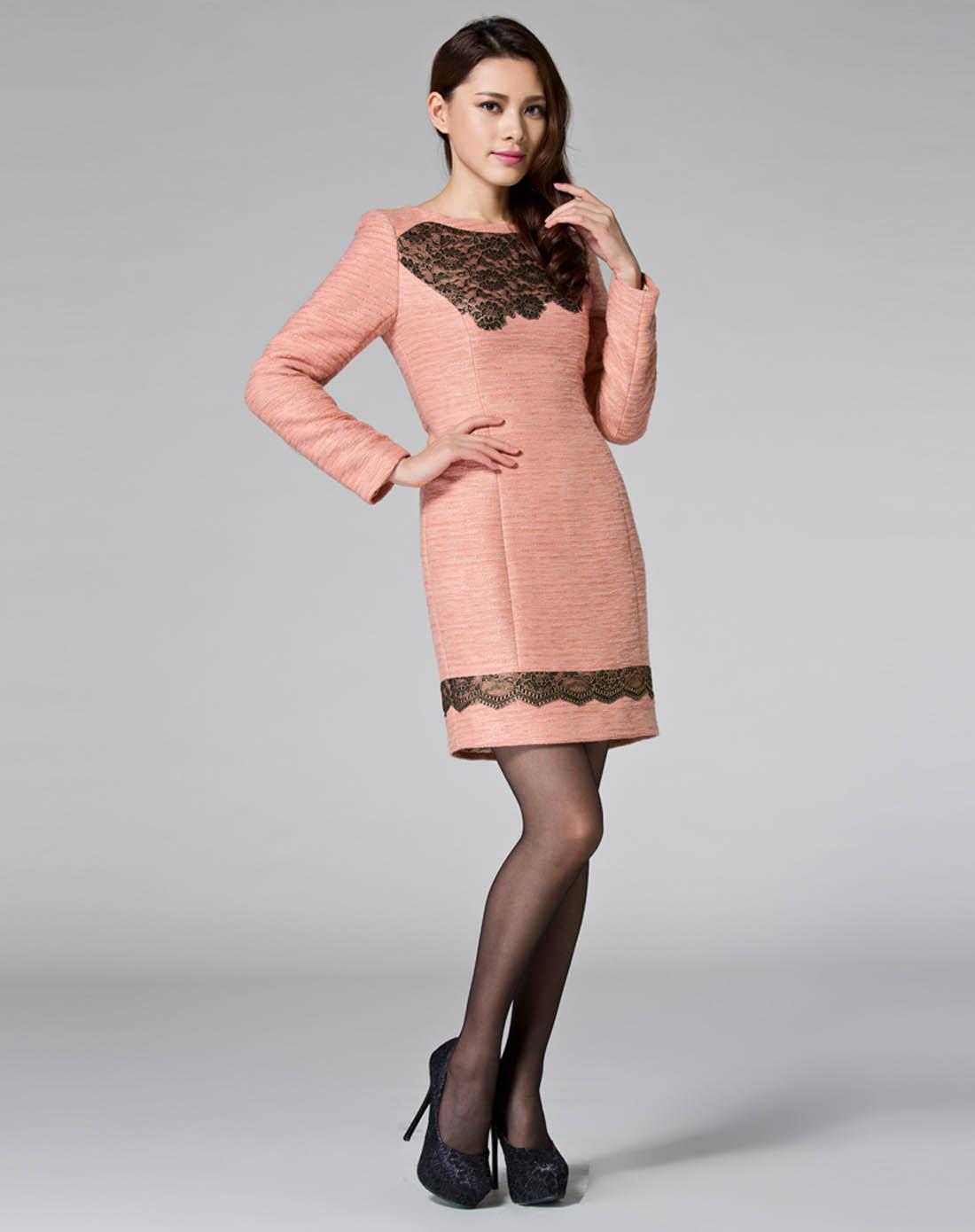 蕾丝连衣裙修身长袖