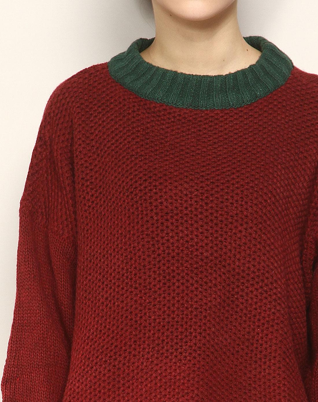 枣红色圆领长袖针织衫