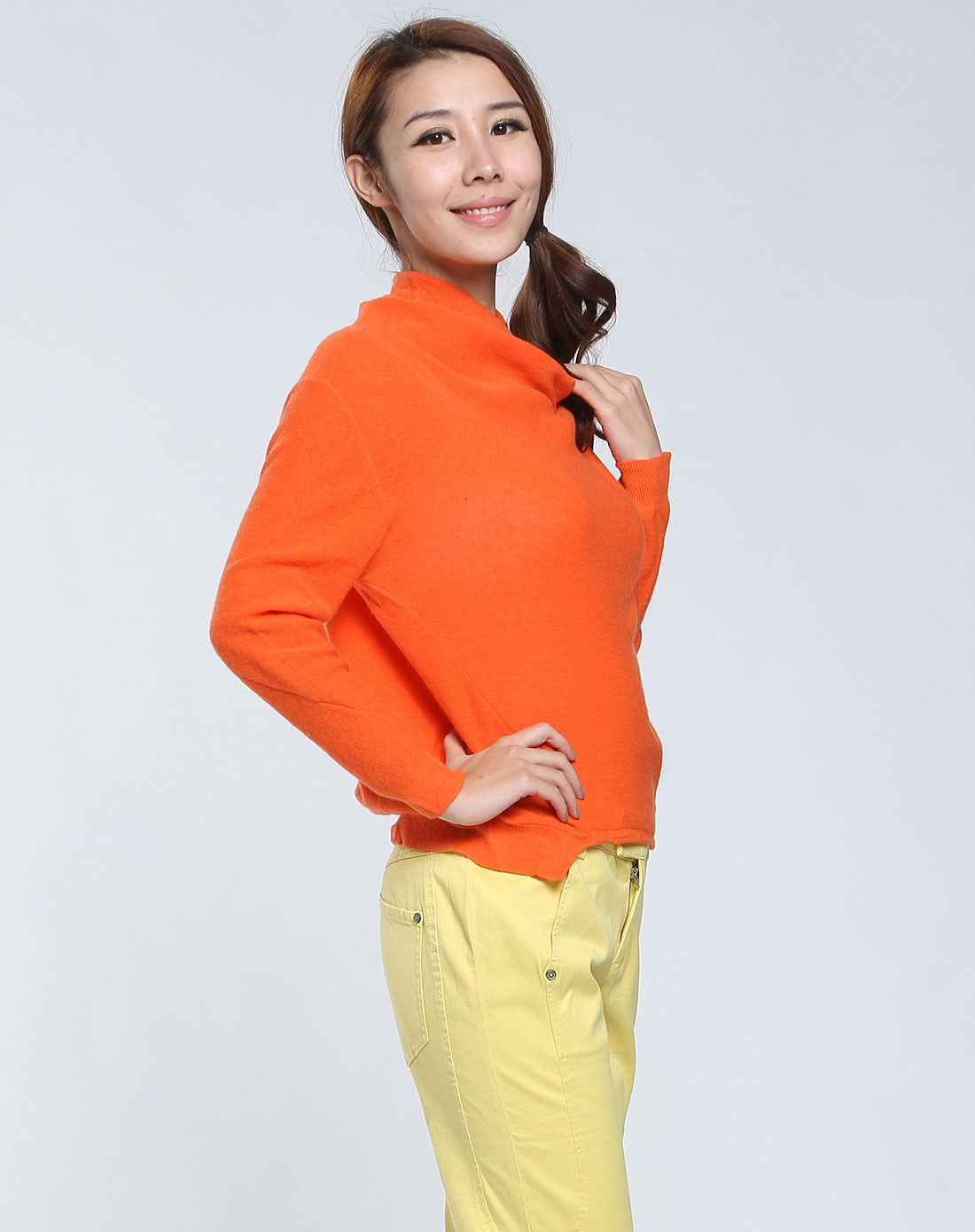 播�_播broadcast 女款亮橙色高领长袖毛衣