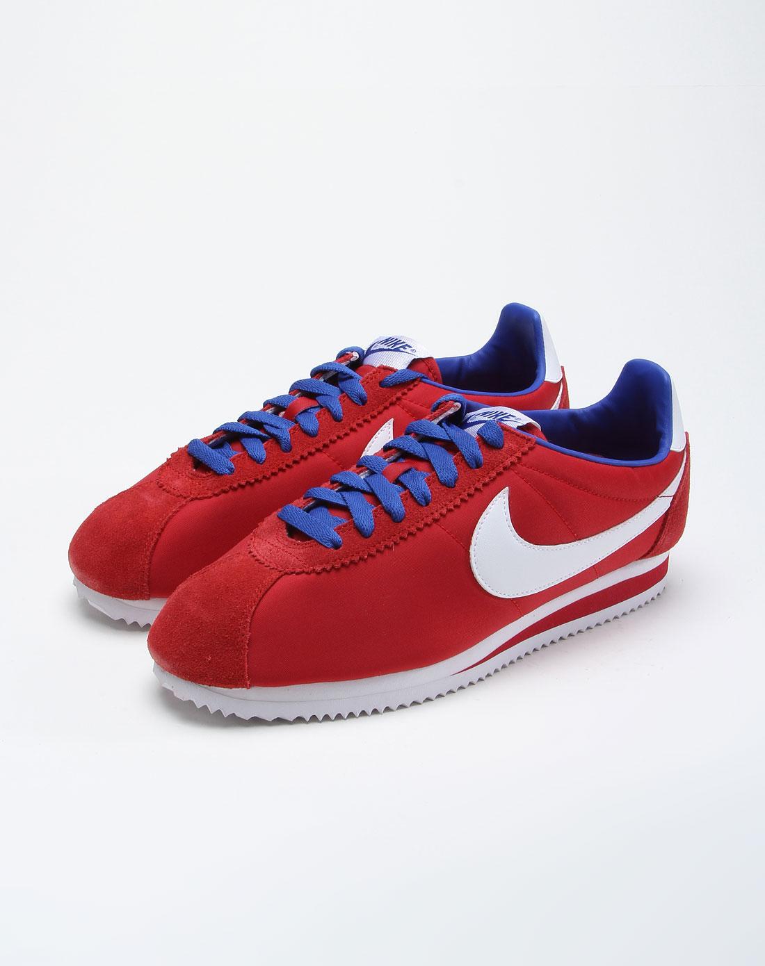 红色耐克鞋子搭配