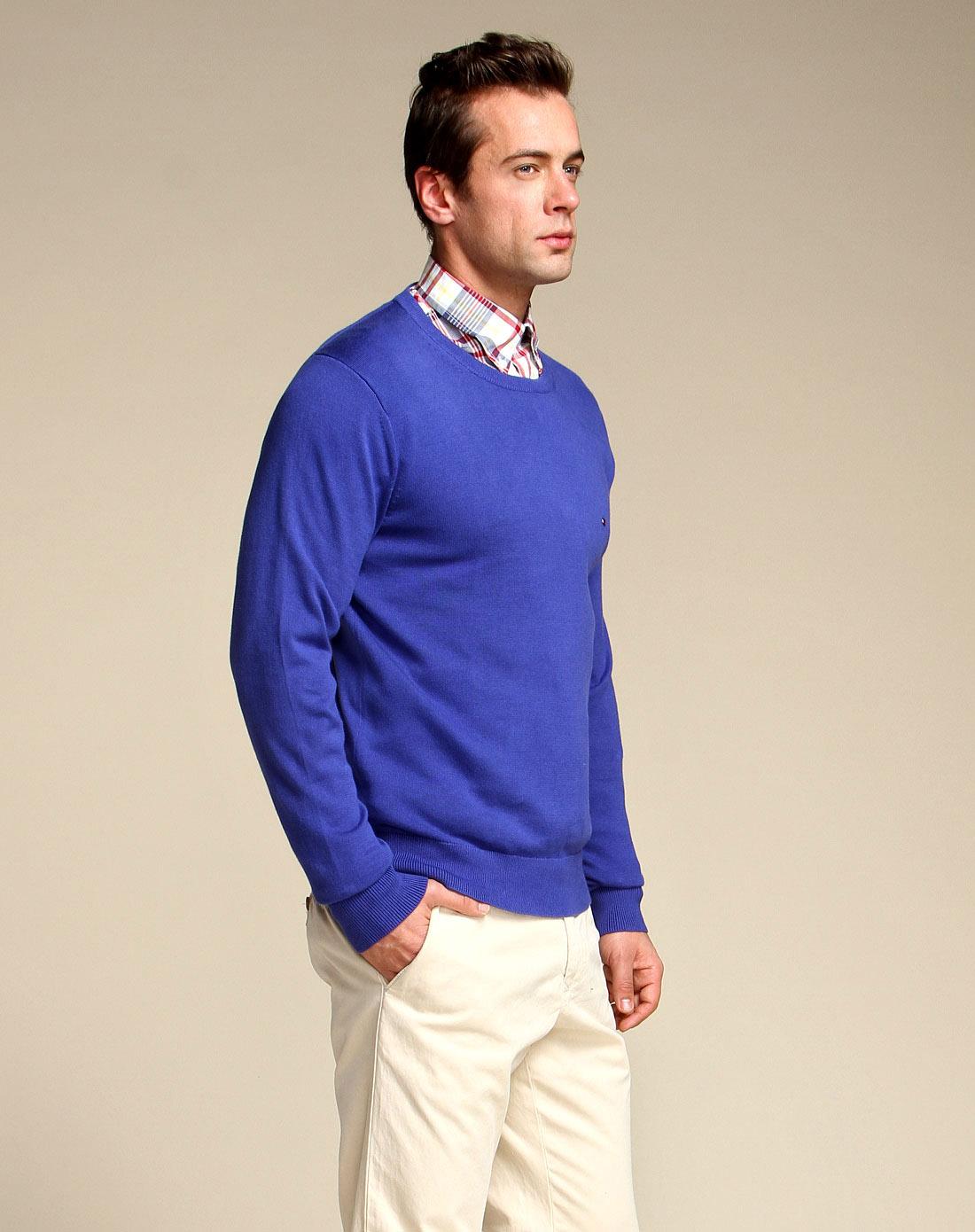 深蓝色舒适圆领长袖针织衫
