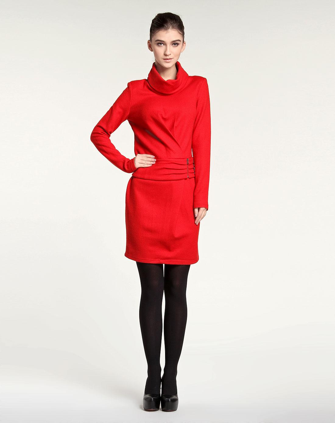 大红色纯色简约大气长袖毛呢连衣裙