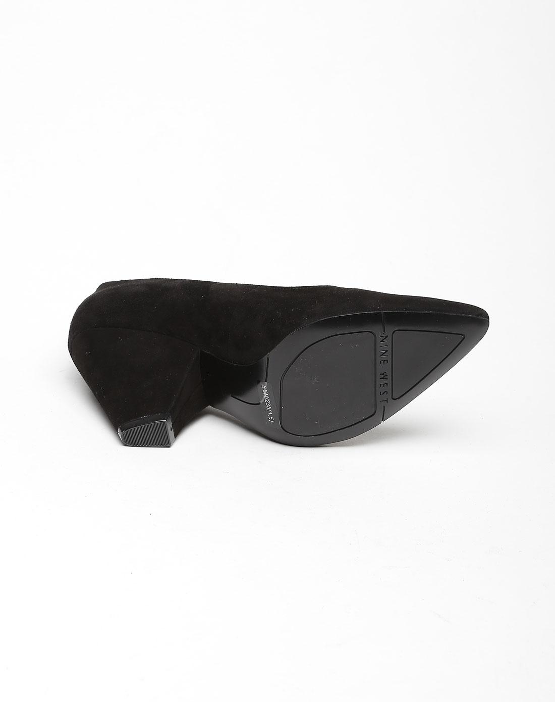 黑色时尚高贵高跟鞋
