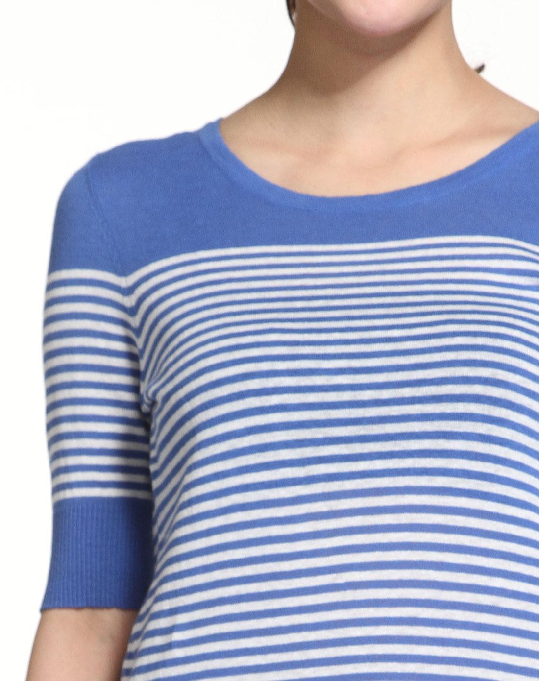 浅蓝色横条长款短袖针织衫