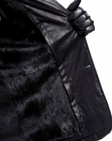 黑色毛皮服装