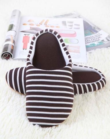 黑白条纹创意包跟拖鞋