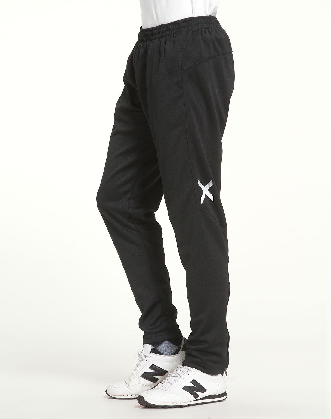 款黑色运动舒适针织长裤