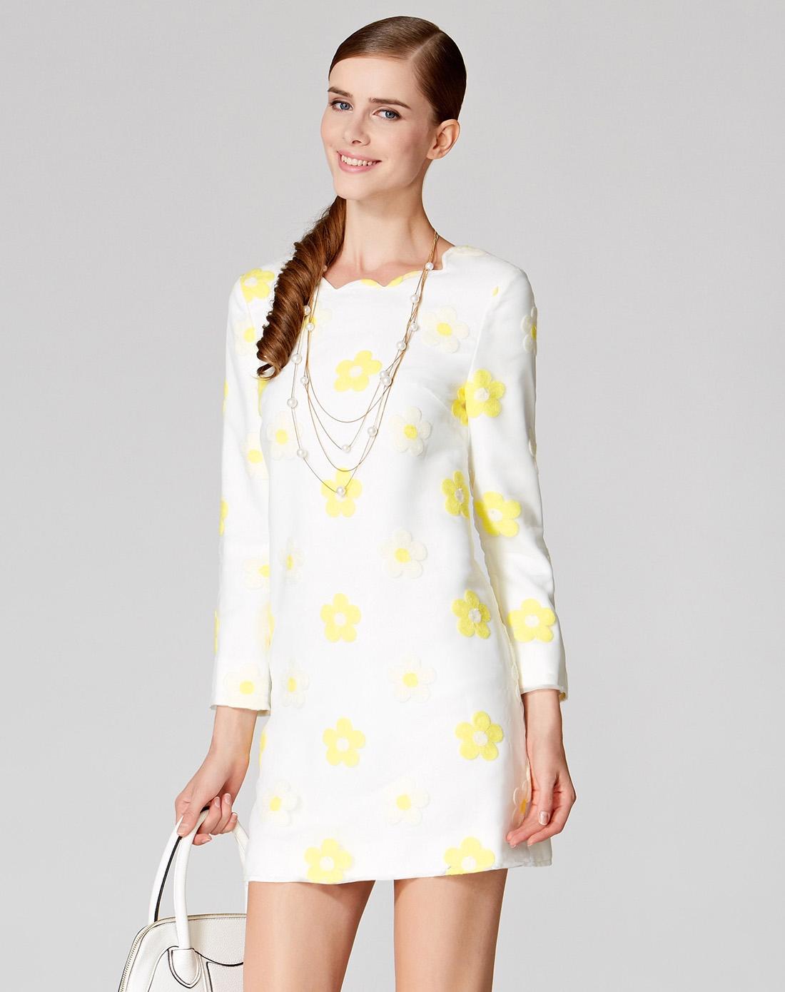 白色长袖连衣裙图片