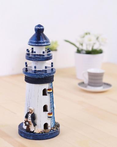 地中海木制灯塔