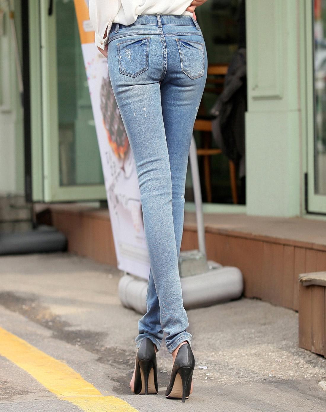 韩都衣舍hstyle女下装专场-蓝色磨破水洗磨白牛仔裤