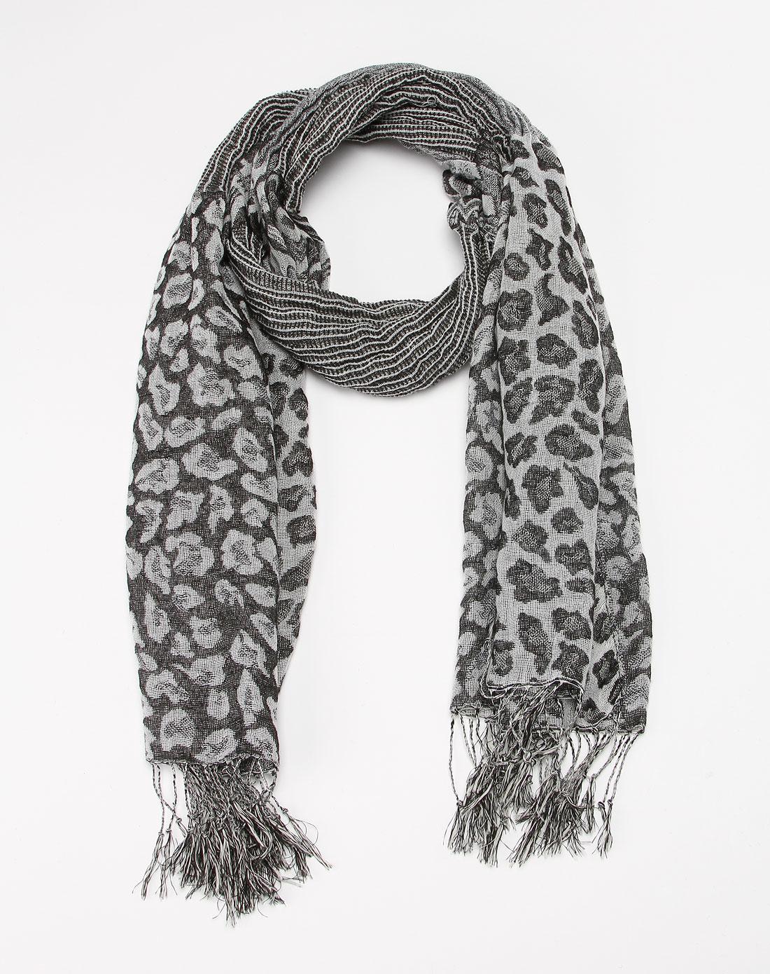 灰色流苏时尚围巾