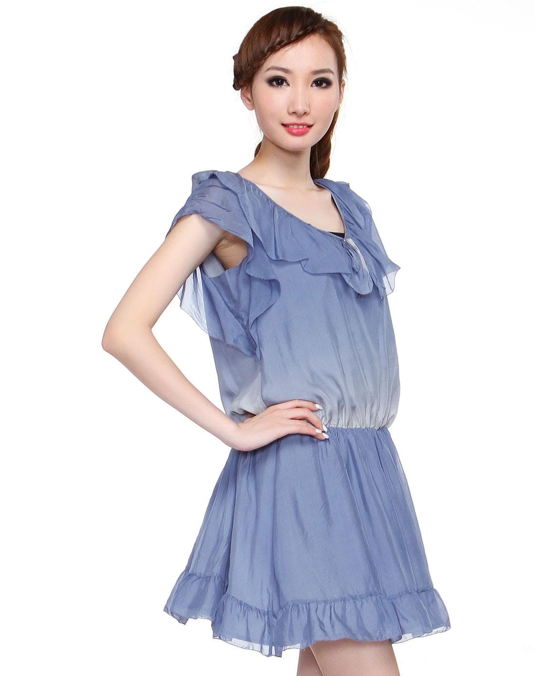 浅蓝色渐变简约盖肩袖连衣裙