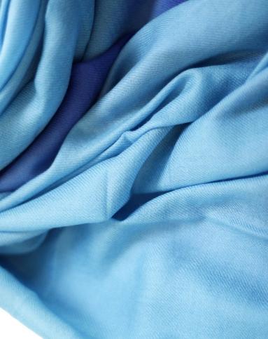 女浅蓝色170支丝毛混绒渐变围巾