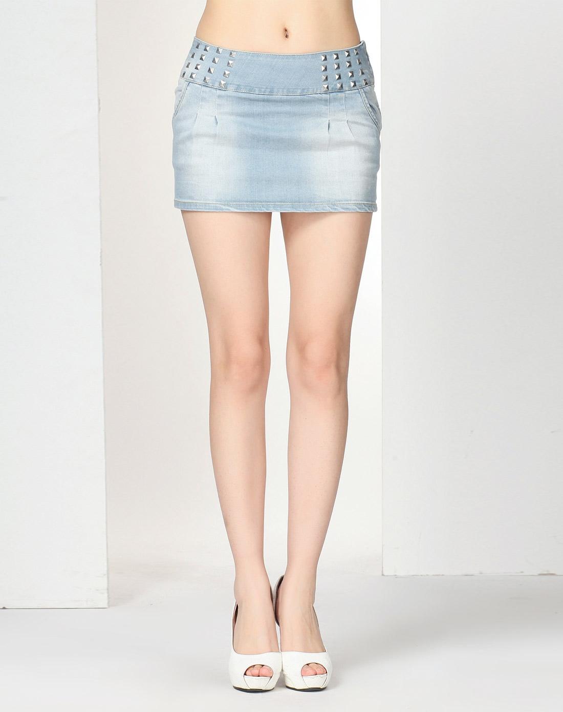 女短裤效果手绘设计图