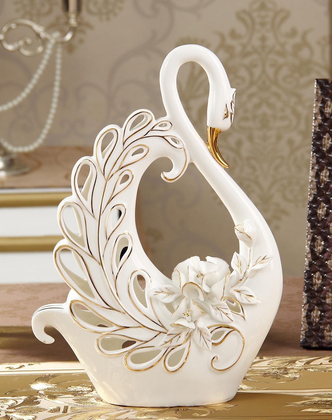 欧式时尚简约镂空雕花陶瓷摆件-c图片