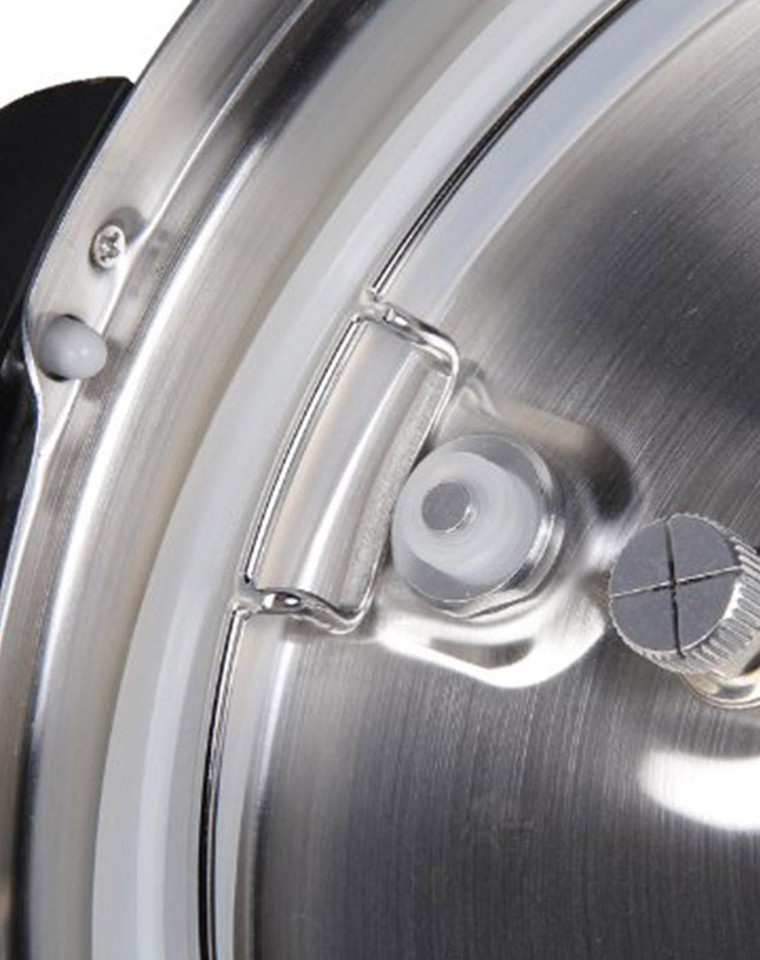 > 银色机械型电压力煲