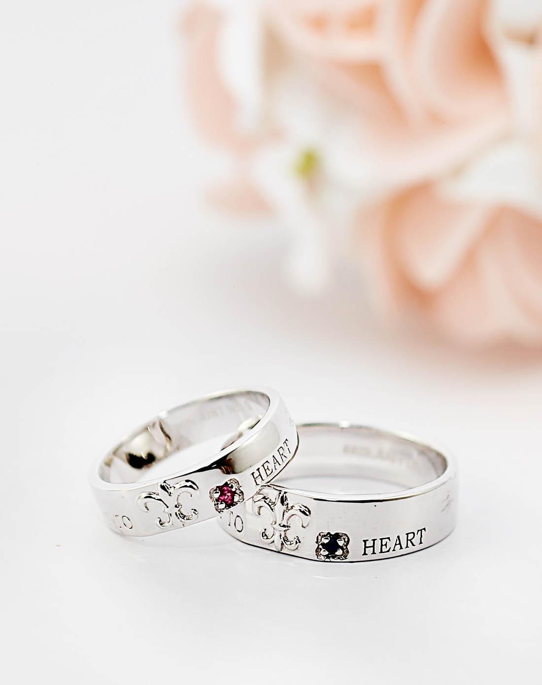 情侣带什么戒指好_纯银情侣戒指什么牌子的好-纯银情侣戒指什么牌子的好_0