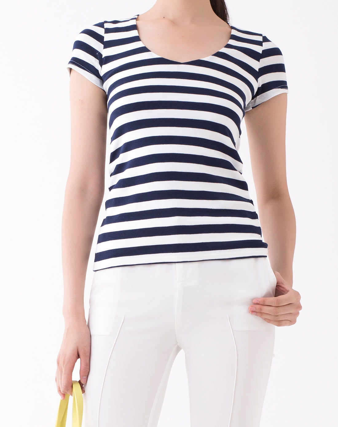 蓝白色条纹短袖t恤
