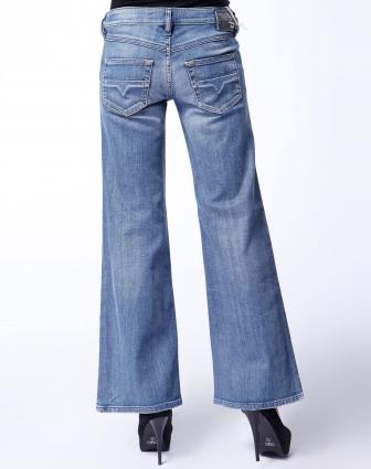 diesel 女款浅蓝色喇叭牛仔长裤