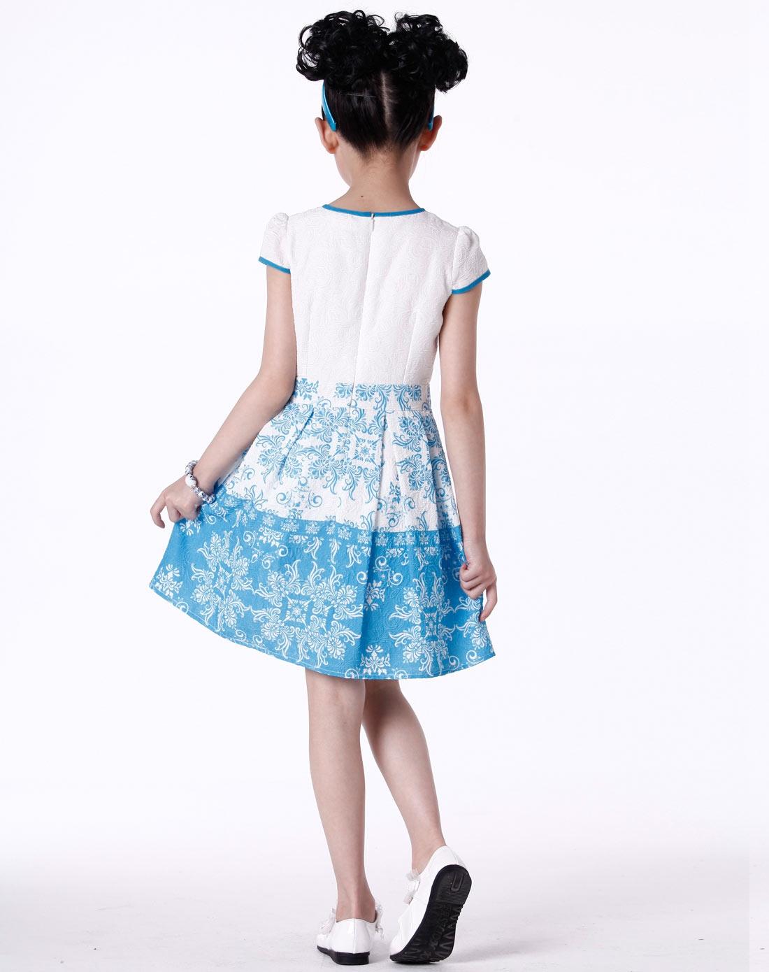 女童蓝色连衣裙