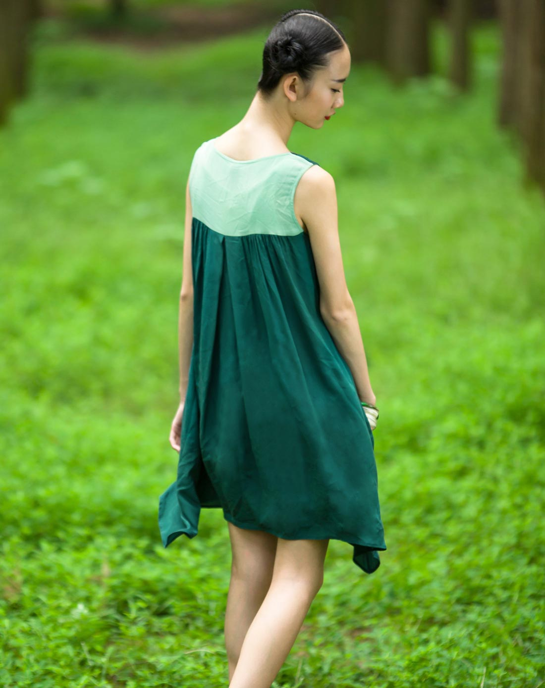 裂帛墨绿色圆领无袖连衣裙511311831106