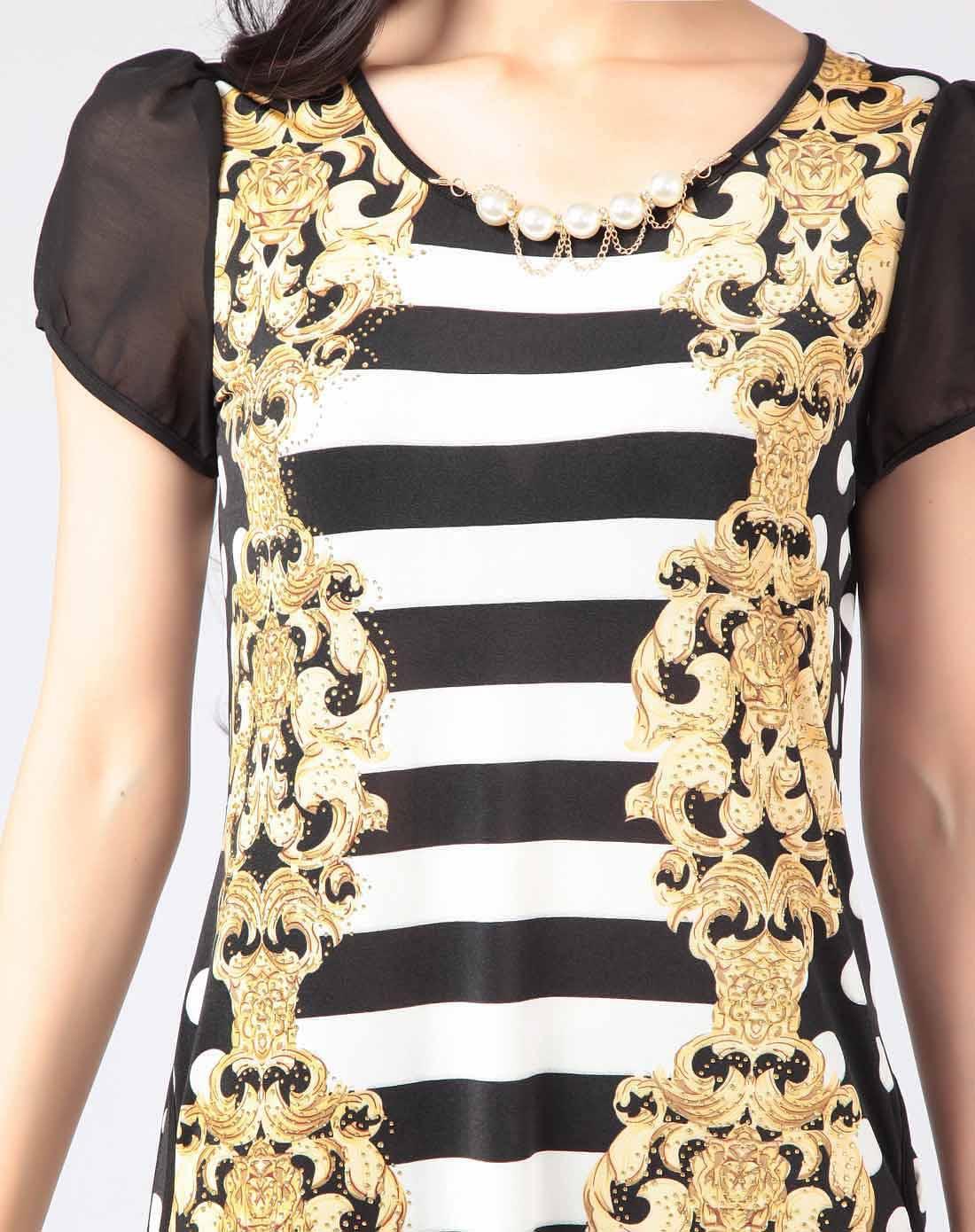 色古典花纹连衣裙