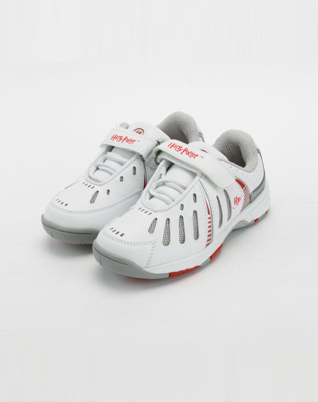 儿童白色运动鞋