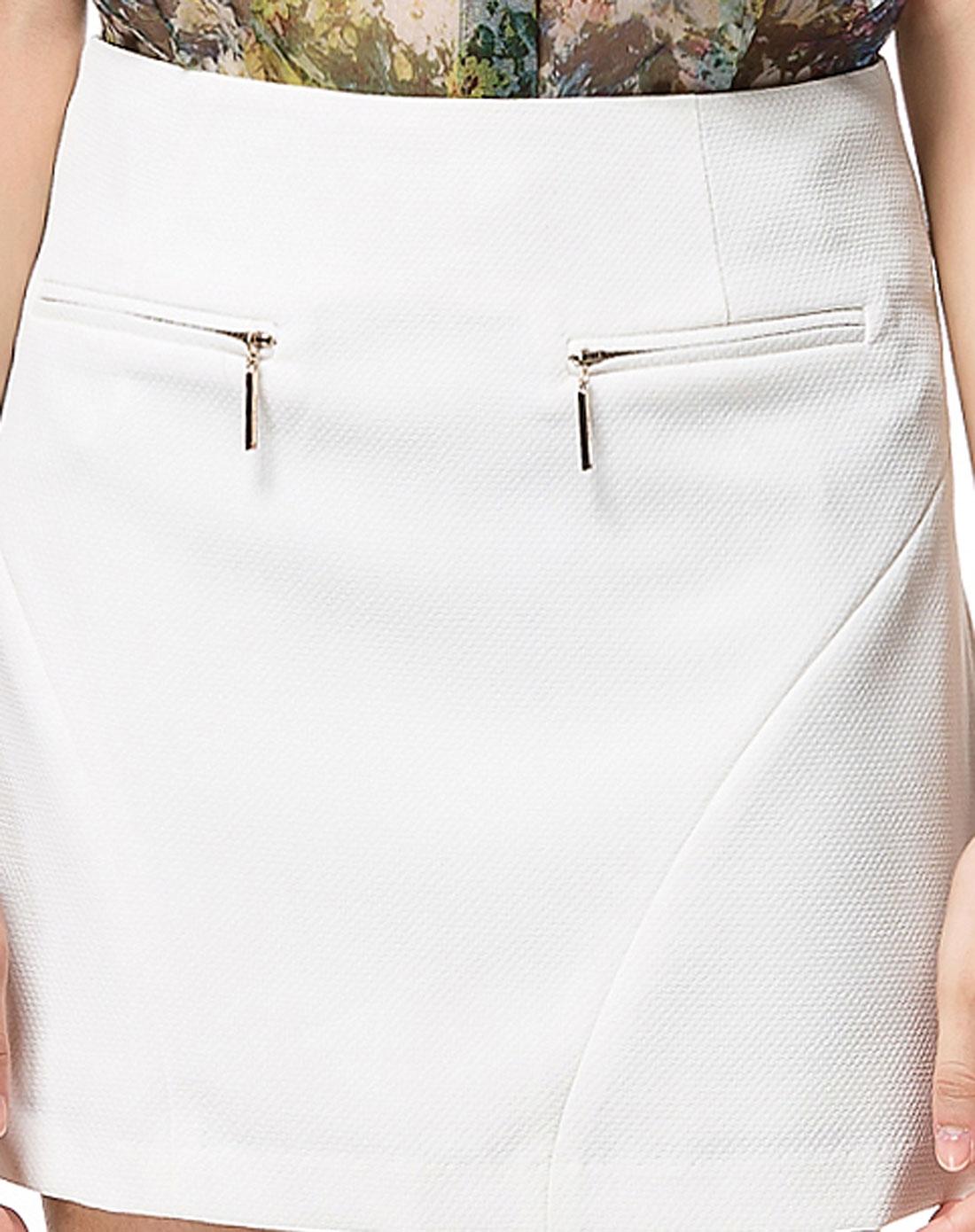 简单一字袋隐形拉链白色短裙