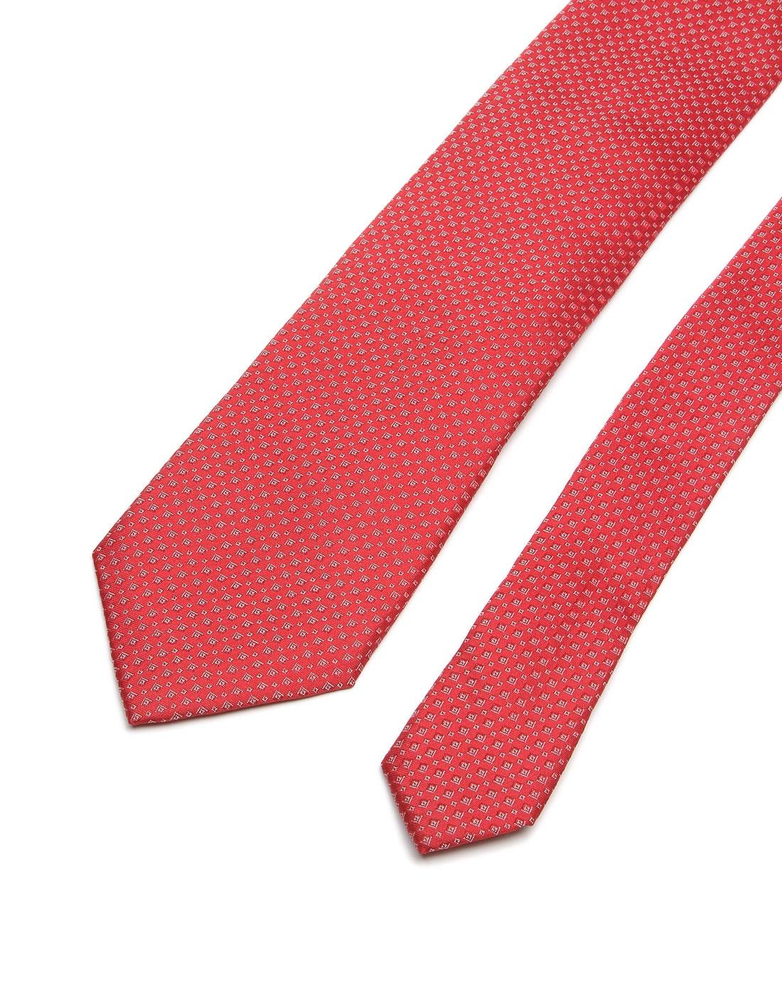 简约小方块酒红色领带