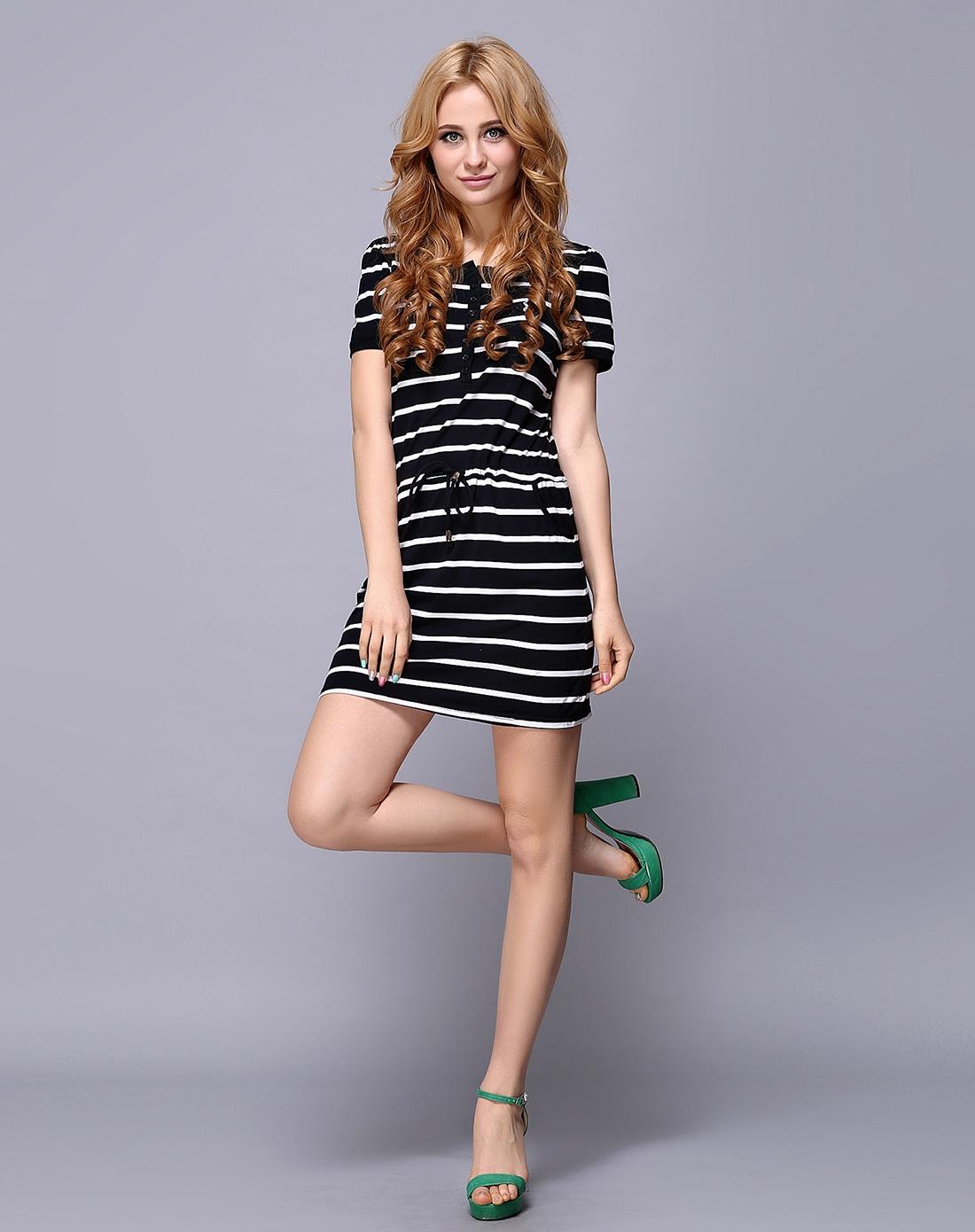 黑色黑白条纹连衣裙