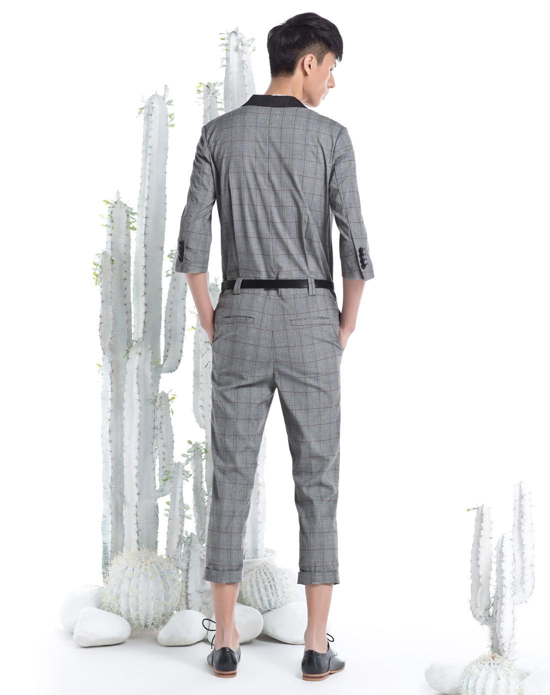 灰色时尚格子连衣裤