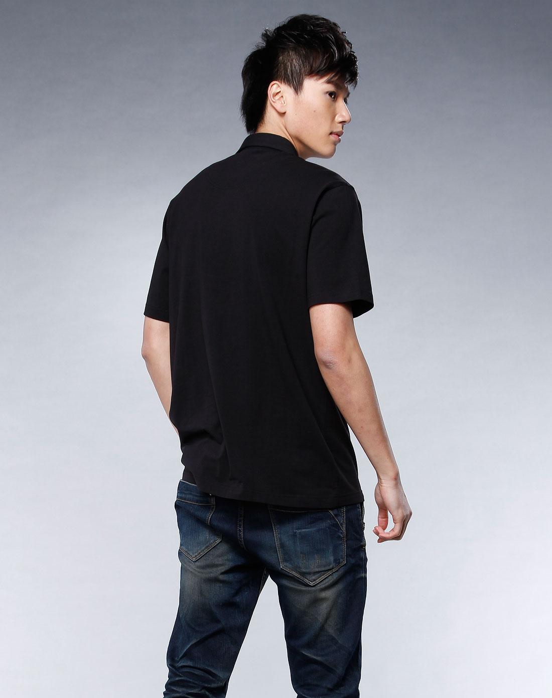黑色翻领短袖t恤