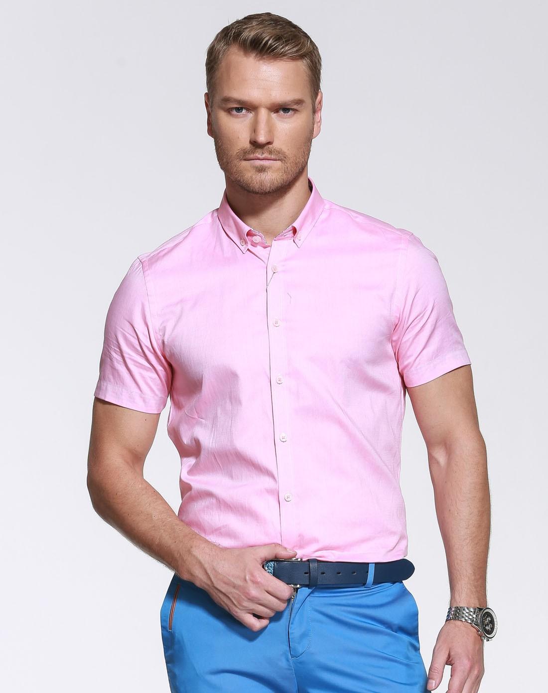 粉红色纽扣领干练休闲短袖衬衫