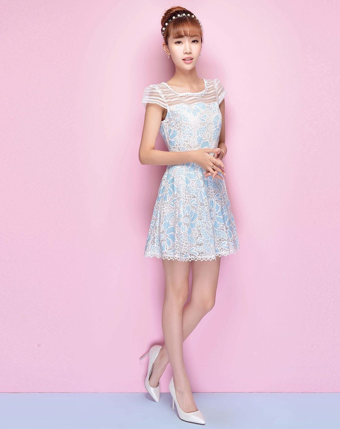 蕾丝镂空印花连衣裙