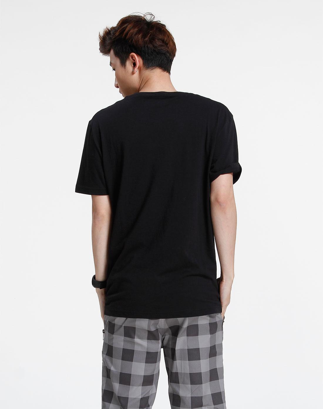 森马-男装黑色休闲印花短袖t恤002151541-900图片