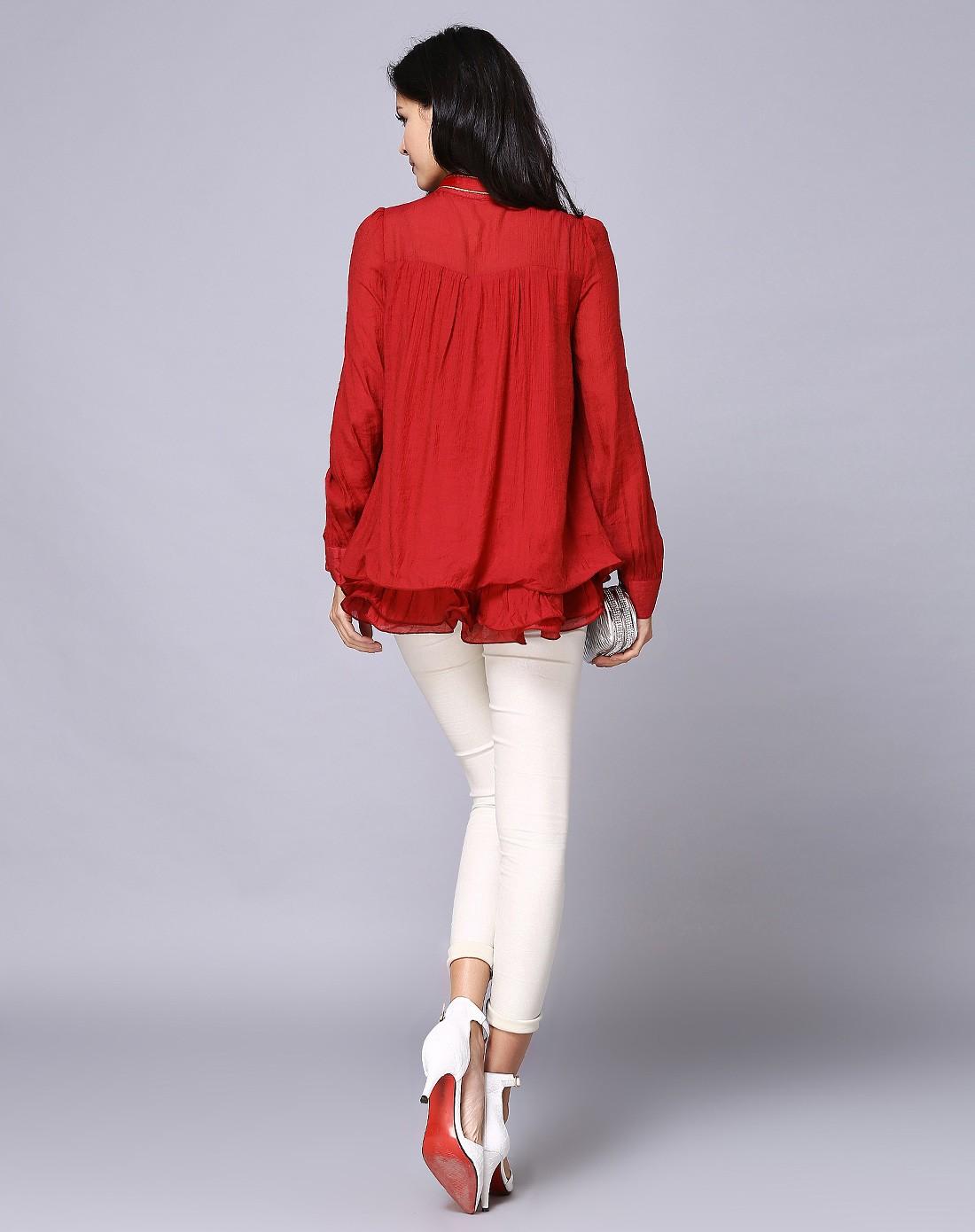女款红色上衣