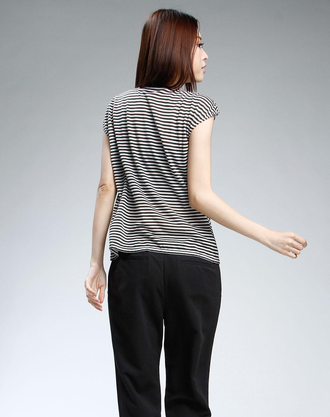 咖啡色条纹休闲短袖上衣