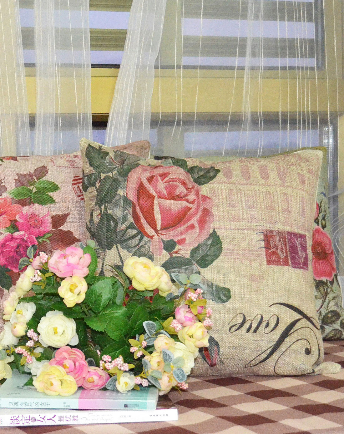 手绘立体花朵厚磅棉麻抱枕套(红玫瑰)